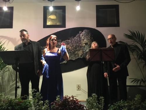 """Successo di """"Osteria in Melodia"""", pianoforte in dono al Centro civico"""
