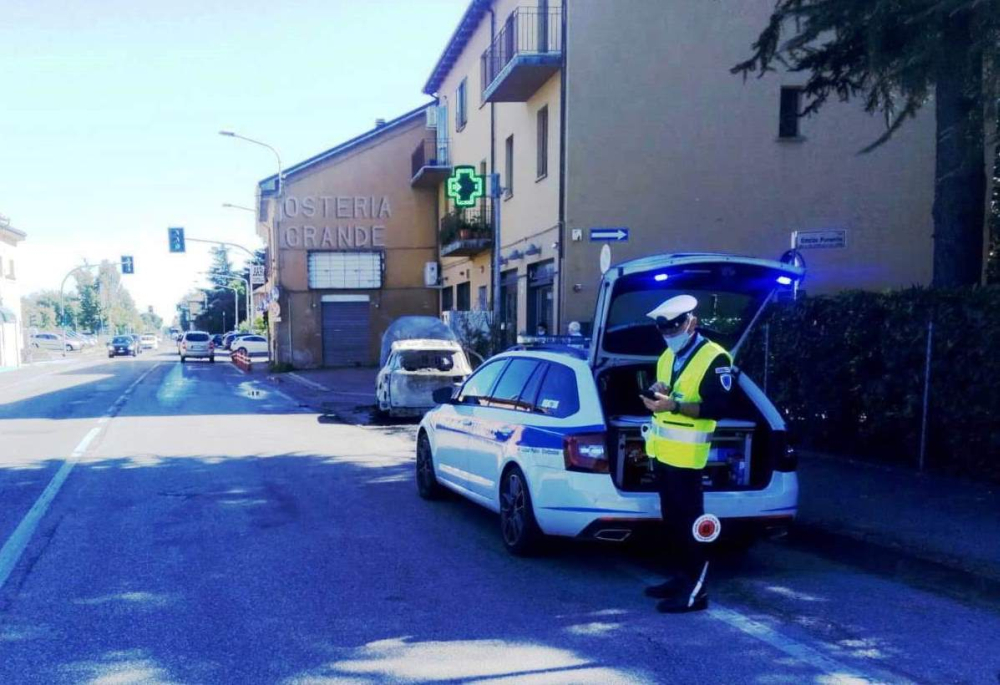 Doppio intervento sulla via Emilia per la Polizia Locale...